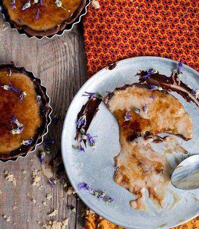 Tartelette crème brulée à la crème patissière café & chocolat.