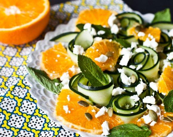 Salade de concombre et d'orange.