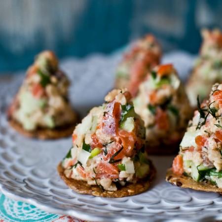 // Tartare de saumon croustillant
