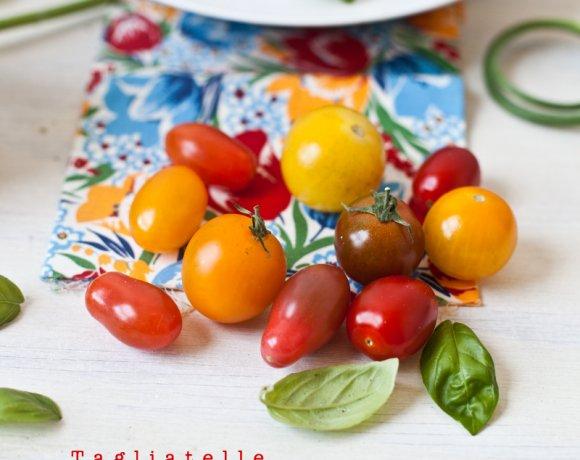 Tagliatelle aux Tomates cerises, Olives & Pesto de Fleur d'Ail !!!!