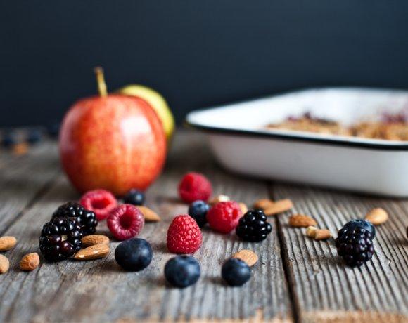 Crumble aux Petits Fruits, Avoine, Amandes & Erable