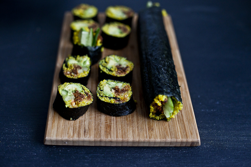 Sushi au quinoa avocat & noix fumees aux tomates sechees4_©EmilieMurmure