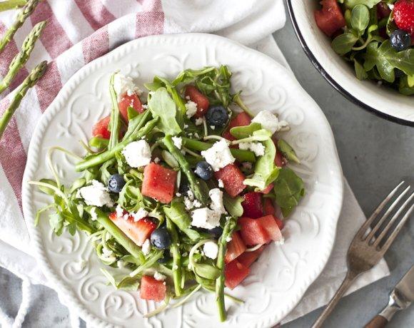 Salade de roquette, asperge, melon d'eau et feta