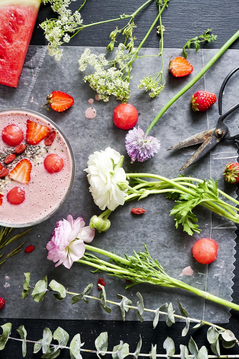 Fleurs, fraises et pasteque_Emiliemurmure