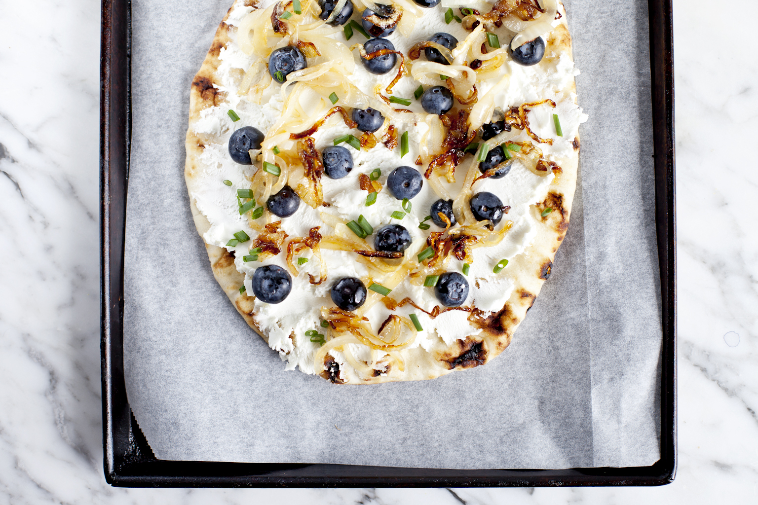 Blueberry naan pizza_Emiliemurmure