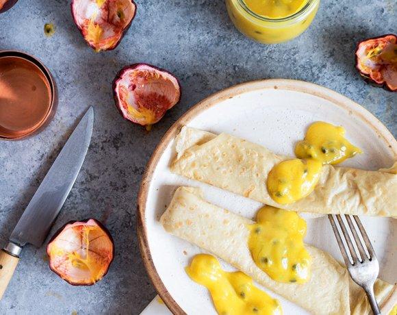 Crêpes à la fleur d'oranger et crème fruits de la passion & mangue