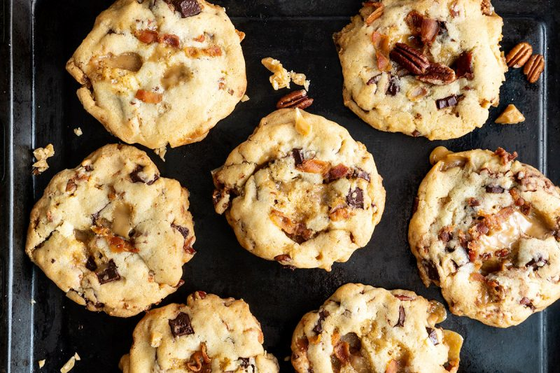 Biscuit au caramel, pacane et bacon