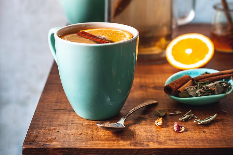 Tisane à la sauge, orange, cannelle et miel