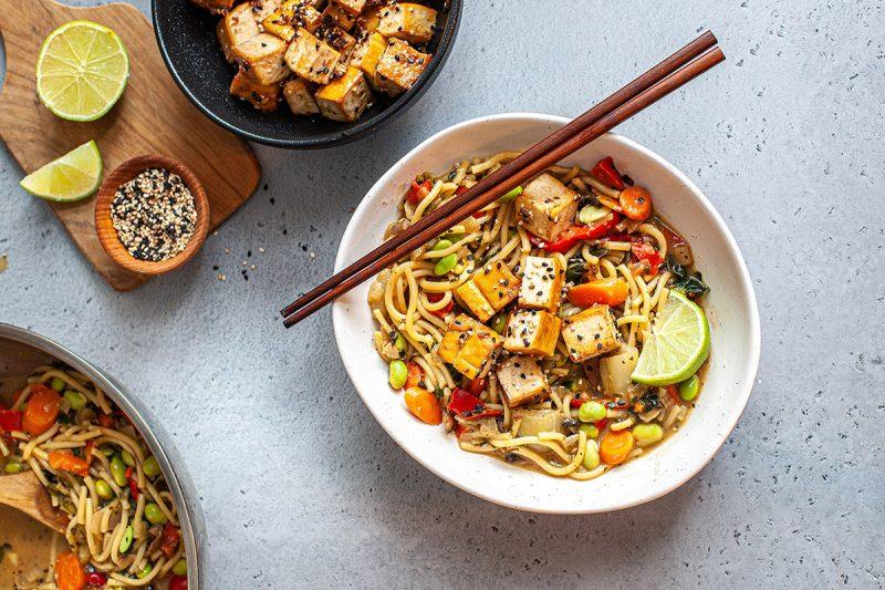"""One pot """"sauté asiatique"""" au tofu fumé et sésame"""